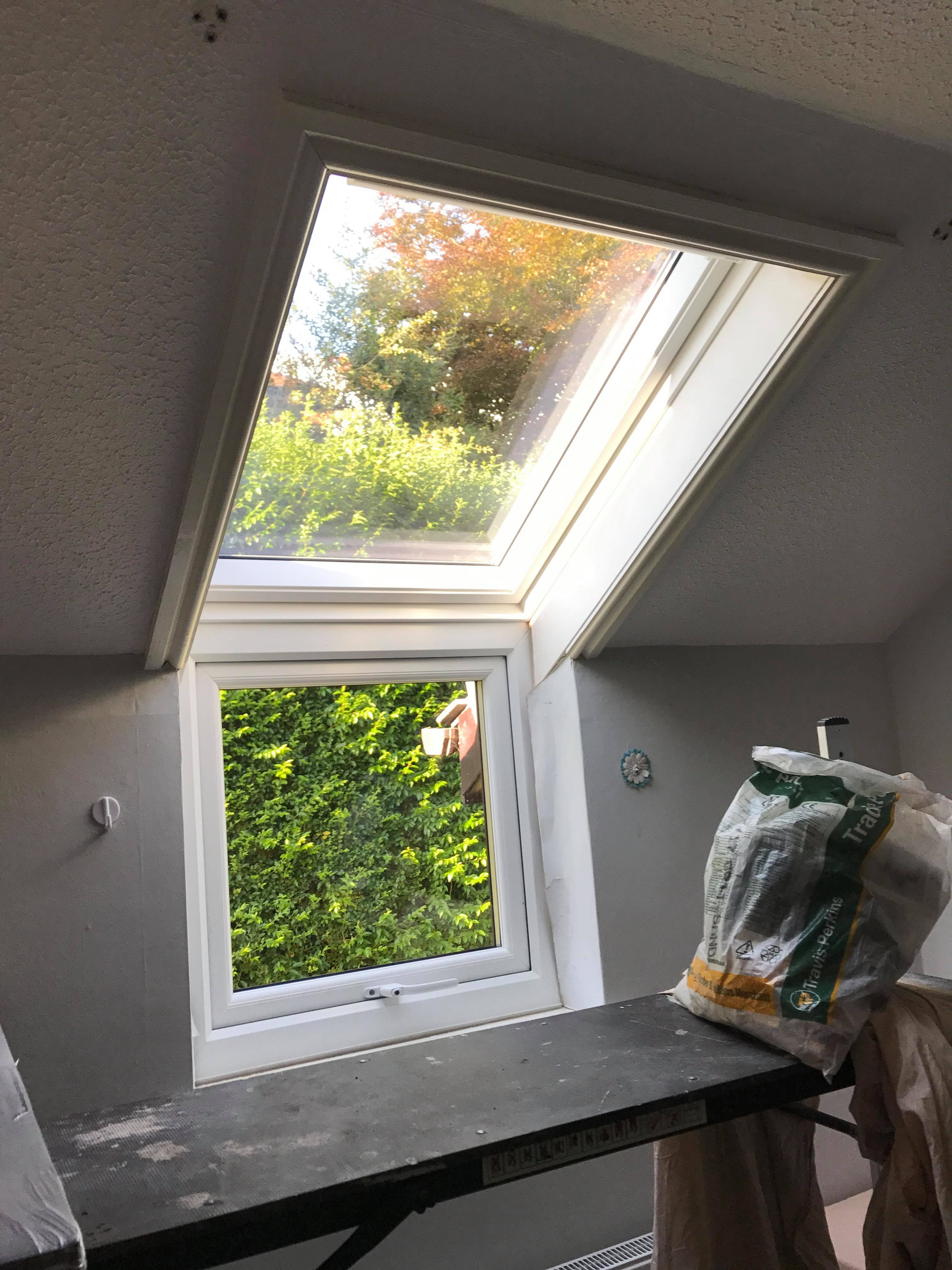 Sloping and vertical combination replacement Velux window